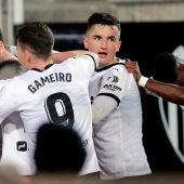 Los jugadores del Valencia celebrando un gol