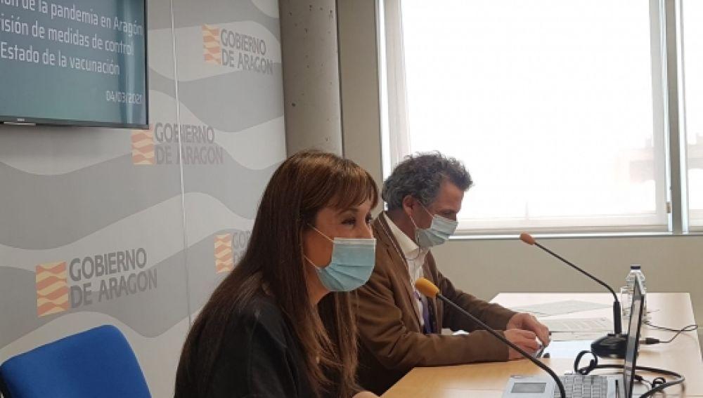 La Consejera de Sanidad y el Director General de Salud Pública durante la rueda de prensa