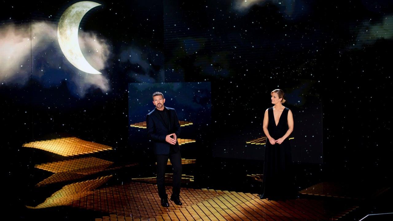 Antonio Banderas y María Casado, en el escenario del Teatro del Soho de Málaga, durante los Goya 2021