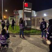 Miles de mujeres han secundado la convocatoria de huelga con un seguimiento desigual en Galicia