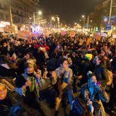 Cientos de personas participan en una manifestación en Barcelona