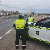 La Guardia Civil detiene a un hombre por circular sin carnet y en dirección contraria