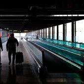 Últimas horas para viajar de Madrid a Canarias, la única comunidad que no cerrará en Semana Santa
