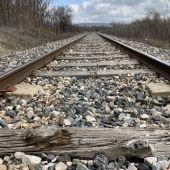 La línea del tren convencional, a su paso por Cuenca