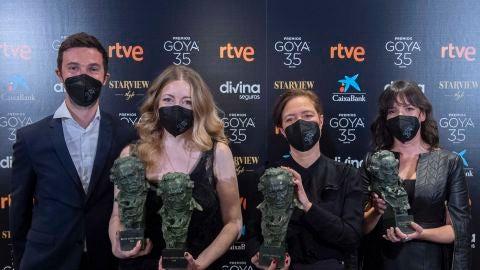 El equipo de 'Las niñas' recoge sus cuatro Premios Goya en la Academia de Cine cuatro días después de la ceremonia de 2021