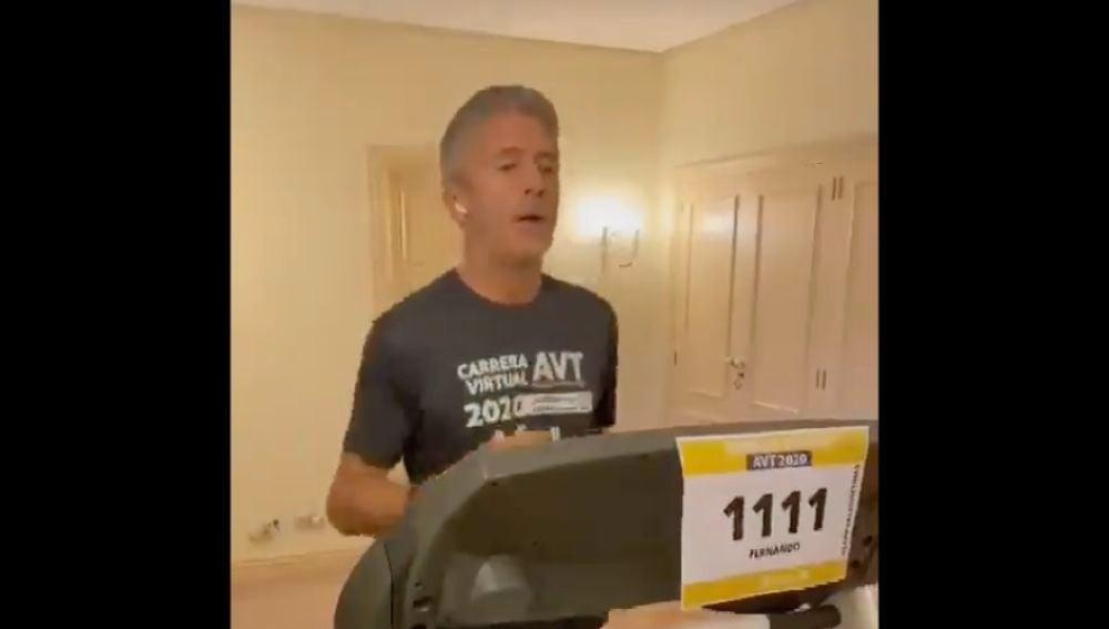 """Críticas a Marlaska por destinar dinero público a una cinta de correr de 2.800 euros: """"Él corre, pagamos todos"""""""