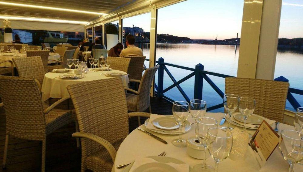 Los restaurantes de Menorca exigen al Govern trabajar las cenas para afrontar los gastos.