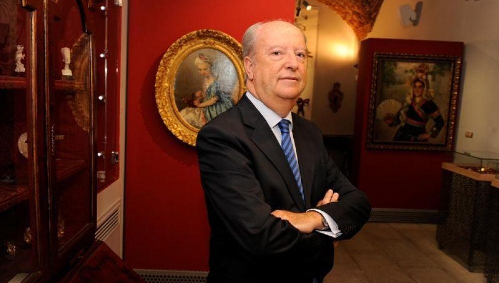 Luis Acha Iturmendi ha presentado su dimisión como director general y secretario de la Fundación Mercedes Calles y Carlos Ballestero (FMCCB) de Cáceres