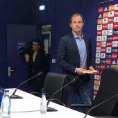 Francesc Arnau, director deportivo del Real Oviedo, en una rueda de prensa en el Carlos Tartiere.