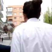 """Pablo Iglesias se encara con un grupo de ultraderechistas que le gritaban """"fuera la casta"""" en un acto"""
