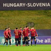 Los jugadores de la sub21 celebran el gol de Dani Gómez