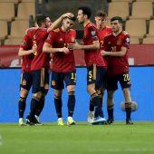 España celebra el gol de Ferrán Torres