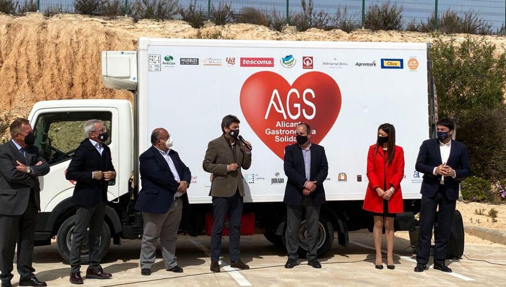 Alicante Gastronómica Solidaria amplia sus medios con un camión isotermo