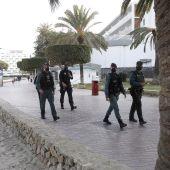 El Govern reforzará la vigilancia de medidas COVID-19 desde este miércoles en zonas turísticas y de ocio
