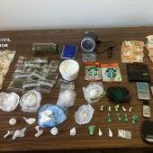 Cocaína, marihuana, y 9.000 euros en metálico entre los recuperado por la Benemérita