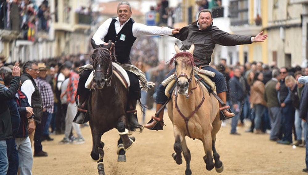 Un Lunes de Pascua sin caballos en Arroyo de la Luz