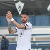 Marcos Ruiz saluda a la afición