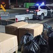 La Guardia Civil detiene a dos personas por robo y contrabando de hoja seca de tabaco en Talayuela