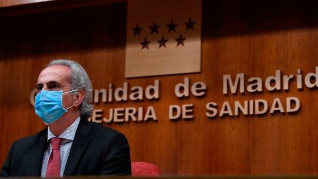 Enrique Ruiz Escudero, durante una comparecencia