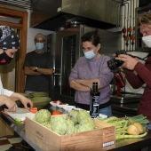 La chef ha estado acompañada de un fotógrafo con el fin de publicar un reportaje sobre esta visita profesional