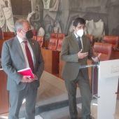 Julián Garde y José Manuel Caballero durante la rueda de prensa