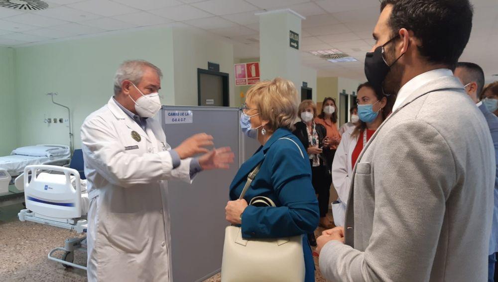 Ana Barceló visita el Hospital de Sagunto en el que e han ejecutado obras de mejora
