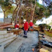 Supone 20 participantes, distribuidos en 2 grupos de 10 participantes cada uno de las especialidades EOCB0211 Pavimentos y albañilería de urbanización y EOCB0108 Fabricas de albañilería