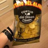 Bolsa de patatas con gafas dentro