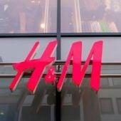 Logotipo H&M de una tienda