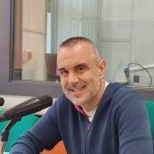 Rafa Gutiérrez en los estudios de Onda Cero Gijón