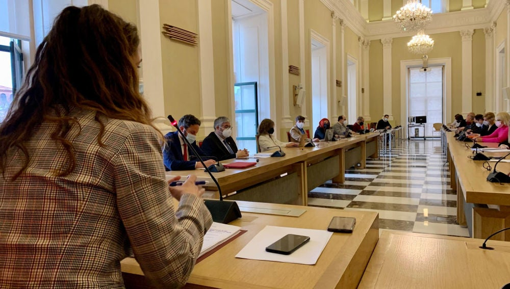 Las Pymes y autónomos de comercio, hostelería y turismo de Cáceres contarán este año con 3 millones de euros en ayudas con cargo al remanente municipal