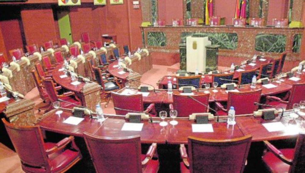 Los grupos parlamentarios transfirieron 970.899 euros a sus partidos políticos en 2019