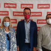 Álex Frailes, portavoz de la 'Plataforma Sí a los Cruceros', junto al presidente de PIMEM, Jordi Mora, y el presidente de la asociación Proguías Turísticos de Mallorca, Gabriel Rosales.