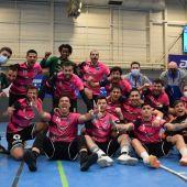 Los jugadores del Base Oviedo celebran su trunfo en Avilés
