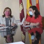 Rosa Ana Rodríguez y Pilar Zamora
