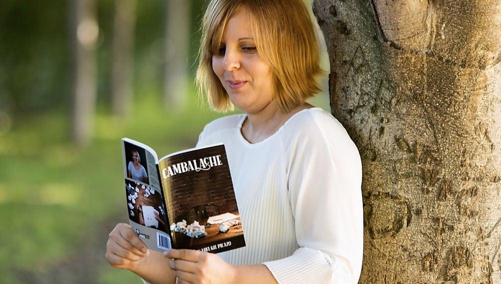 La autora Ana Isabel Gil, de la Asociación Escritores en su Tinta.