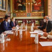 Reunión entre Caballero y Martínez Guijarro