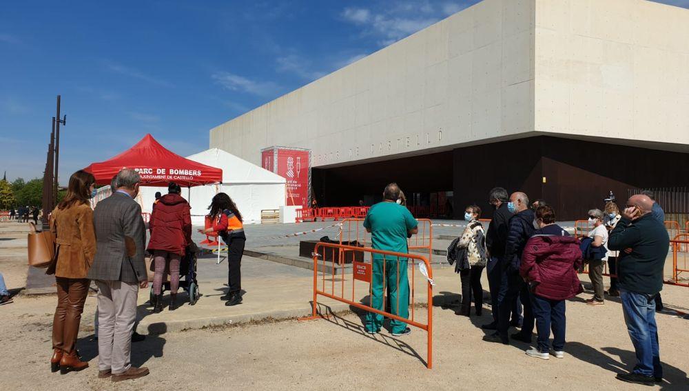 La falta de dosis paraliza la vacunación masiva en el Auditorio de Castelló
