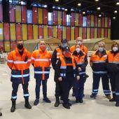 Voluntarios de Protección Civil en servicio en el Palacio de Exposiciones de León