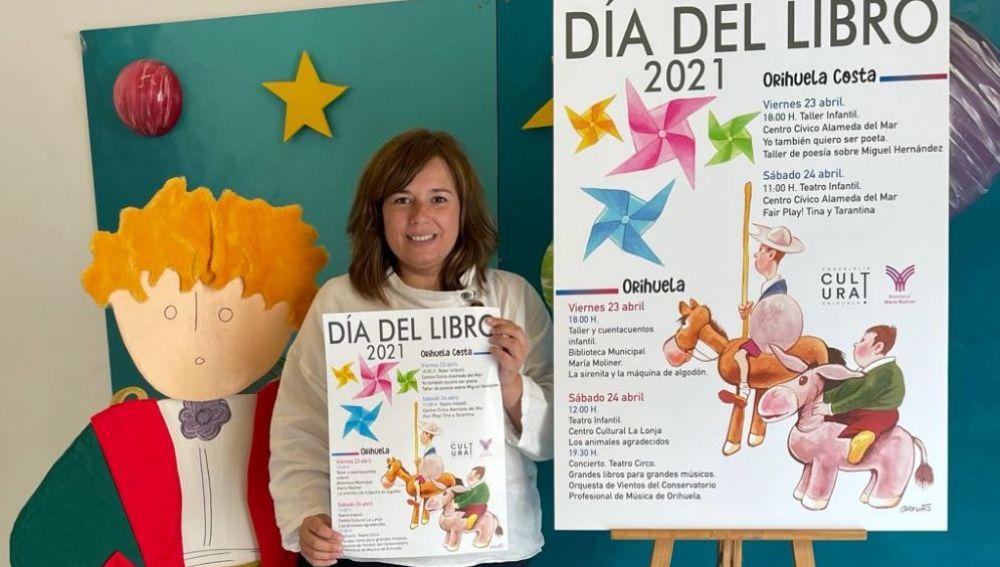 Mar Ezcurra, concejal de Cultura, ha presentado el Día del Libro que se celebrará el viernes 23 y sábado 24 de abril en Orihuela y Orihuela Costa con diversas actividades enfocadas al fomento de la lectura
