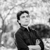 """El director de orquesta venezolano Ilyich Rivas que dirigirá a la OSPA en el concierto """"Te suena"""""""