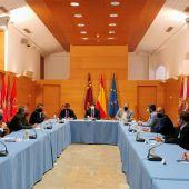 Reunión con los regantes del trasvase Tajo-Segura en Murcia.