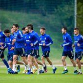 Los jugadores del Real Oviedo durante un entrenamiento en El Requexón
