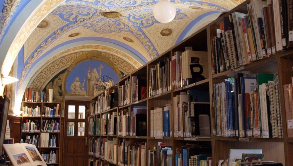 La Biblioteca Jacobea recibe una donación de 400 libros