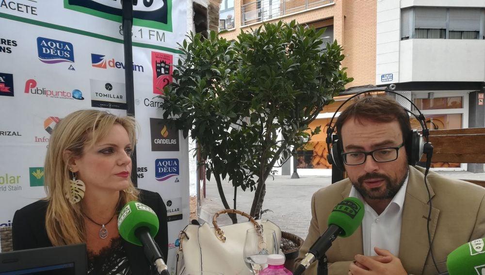 Genoveva Armero y Javier Ruiz en una de las tertulias septembrinas de Cambio de Tercio