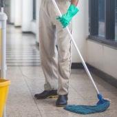 Trabajadores de limpieza en hospitales