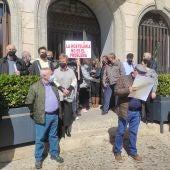 Protesta hosteleros a las puertas del Ayuntamiento de Valdepeñas