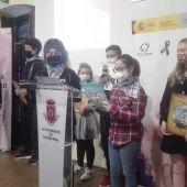 """Alumnos del colegio """"Carlos Eraña"""" han participado en la lectura del Quijote"""