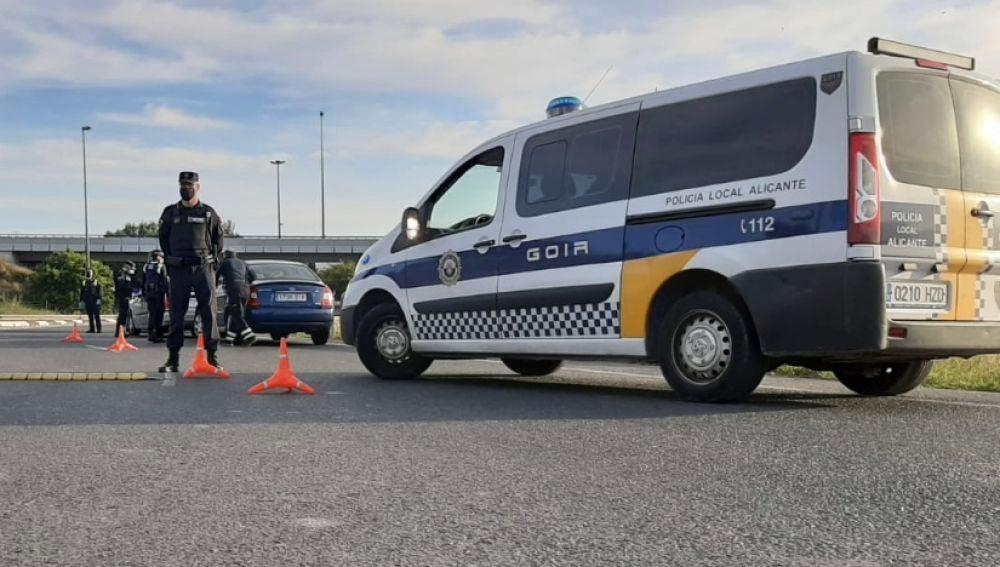 Un control de la unidad GOIR de la Policía Local de Alicante