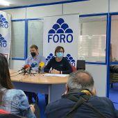 Rueda de prensa de Carmen Moriyón y Adrián Pumares
